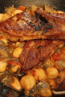 Grilled pork with chickpeas